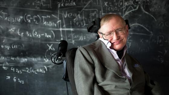 Több mint 100 millió forintot adtak Hawking kerekesszékéért