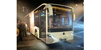Mutatjuk az új magyar Mercedes buszt, holnap már munkába is áll