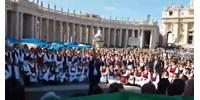 Így hangzik a Székely Himnusz a római Szent Péter téren (videó)