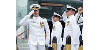 Kirúgták a tengeralattjáró-kapitányt, miután tíz prostituáltat bérelt