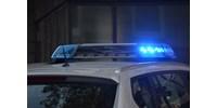 Teherautóba csapódott egy autó Jászárokszállásnál, a sofőr meghalt