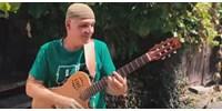 Gyerekek százezrei nyugodhatnak meg: itt az Almából lett Kifli zenekar első klipje