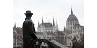 Nem a pesti Nagy Imre-szobor volt az egyetlen, amit eltávolítottak