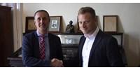 34 millió forintos életmentő készüléket adományozott Tiborcz cége a SOTE-nak